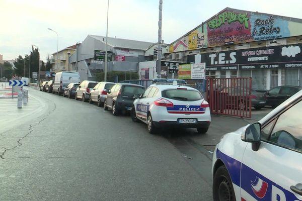 La fête clandestine s'est déroulée dans un hangar du 10e arrondissement de Marseille.