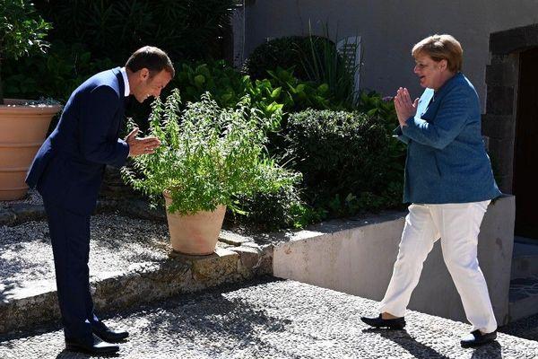 Angela Merkel est arrivée vers 16 heures au fort de Brégançon pour rendre visite à Emmanuel Macron.