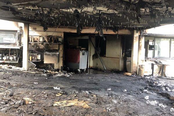 L'Amphitryon, après le premier incendie