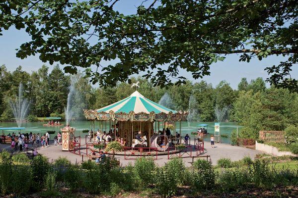 Le PAL, à Saint-Pourçain-sur-Besbre (Allier), recrute environ 300 saisonniers pour son ouverture le 11 avril prochain.