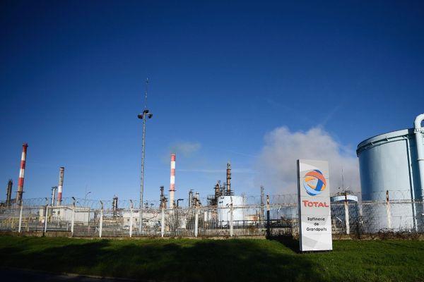 La raffinerie de Grandpuits du groupe Total, le 6 janvier 2020 à Grandpuits-Bailly-Carrois. AFP/Martin BUREAU