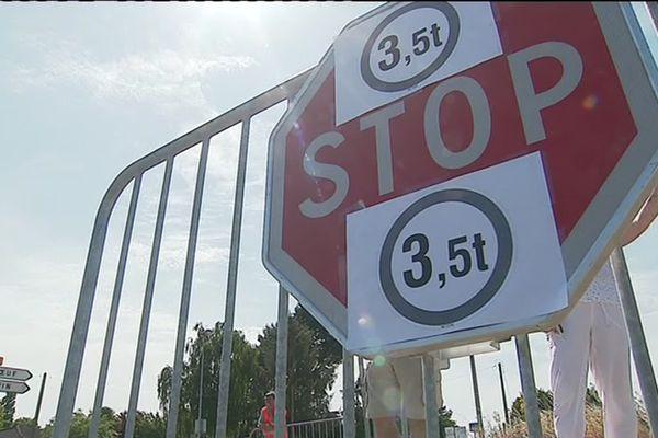 """À Vue, opération """"stop aux camions"""" qui traversent la commune"""