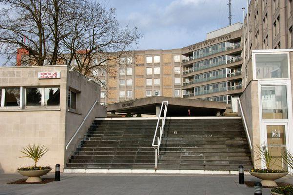 8 patients Covid hospitalisés à l'hôpital Victor Provo à Roubaix ont été transféré dans la nuit du jeudi 22 au vendredi 23 octobre vers des hôpitaux de la région, dans le Pas-de-Calais et jusqu'en Picardie.