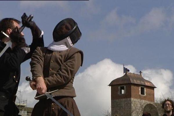 Ateliers de combat à l'épée  par l'association Ad  Honores