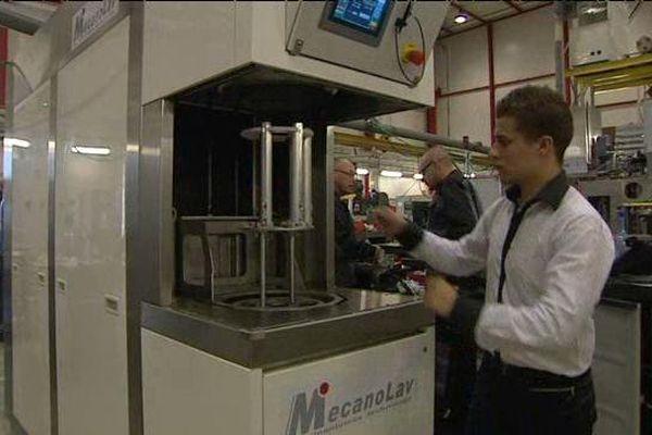 Lavage de contrôle pour cette machine prête à être livrée.