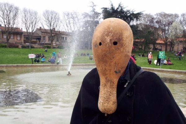 A défaut d'être chirurgicaux, les masques étaient parfois végétaux