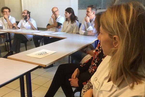 A cran, ces chefs de service de l'hôpital de Montauban ont mis leur menace de démission à exécution ce mardi matin.