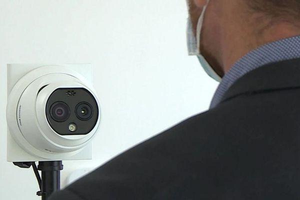 Mudaison (Hérault) - une caméra fièvre à double objectif, surveillance et thermique, elle fonctionne même avec un masque - 8 avril 2020.