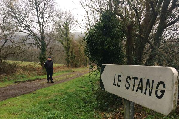La ferme d' Hubert Caouissin, soupçonné d'avoir tué la famille Troadec, se trouve à Pont-de-Buis dans le Finistère