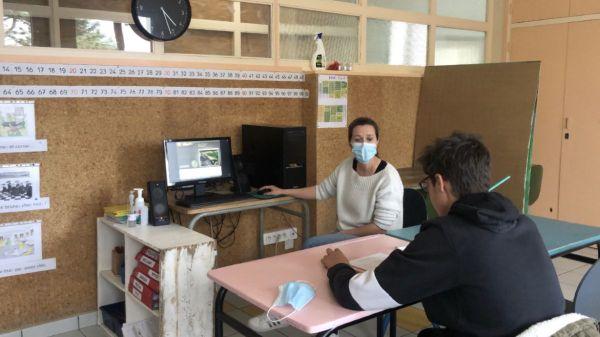 Léo, atteint de troubles autistiques, passe l'examen ASSR au sein de l'IME Edouard-Seguin.