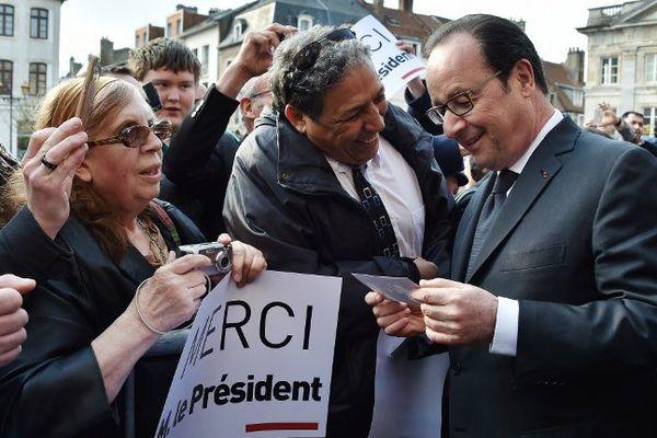 François Hollande a pris un bain de foule à Boulogne-sur-Mer.