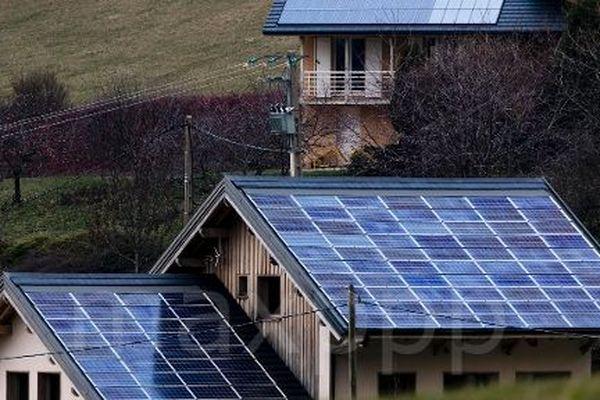 L'installation de panneaux photovoltaïques chez les particuliers est l'un des plus importants marché de la rénovation énergétique en Occitanie.