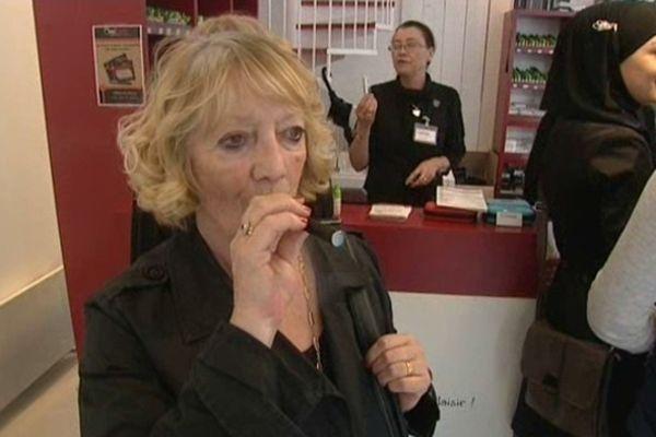 Marie se déplace de Douai à Lille pour acheter les recharges de sa cigarette électronique