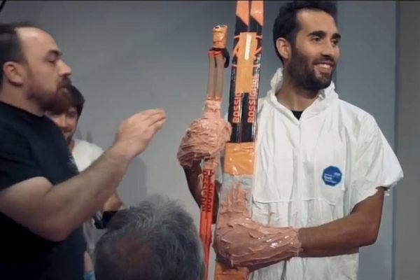Martin Fourcade lors de sa première visite dans les ateliers de création du musée Grévin à Paris