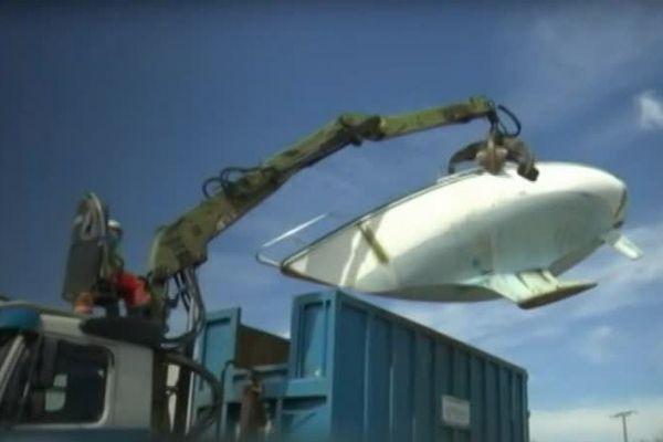 A Rochefort, les épaves ou les bateaux ventouses sont déconstruits et recyclés. Les éléments récupérés sont revendus d'occasion.