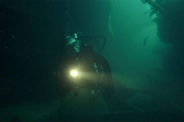 Plongée sur l'épave de l'Amoco cadiz