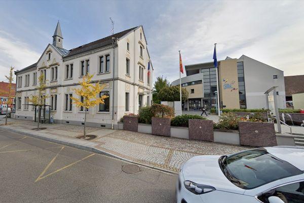 La ville d'Hésingue fait partie de la communauté d'agglomération de Saint-Louis.