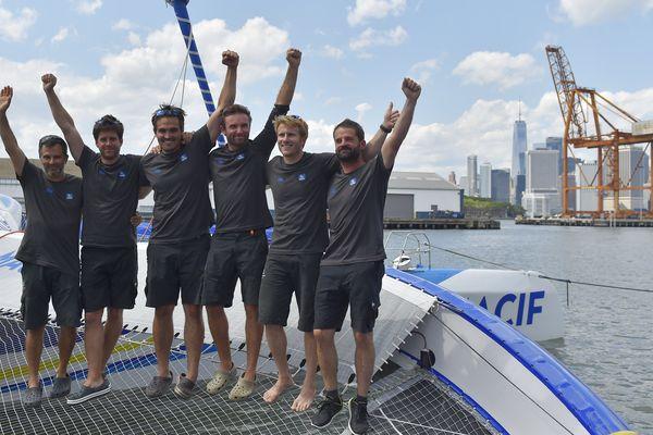 L'équipage mené par François Gabart s'impose dans la course The Bridge.