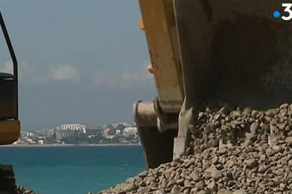4000 m3 de galets pour engraisser les plages