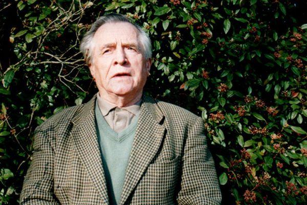 Joseph Rouffanche dans son jardin en 2002