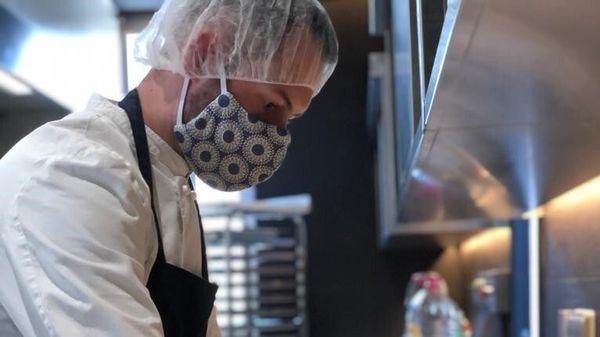 Pour soutenir les équipes soignantes, le Chef étoilé David Gallienne, du restaurant le Jardin Des Plumes à Giverny dans l'Eure, a decidé de partager gracieusement son savoir-faire et ses délicieuses recettes.