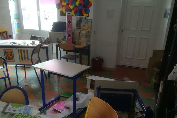 Le bureau de vote de l'école a été pris pour cible à Cuges-les-Pins.