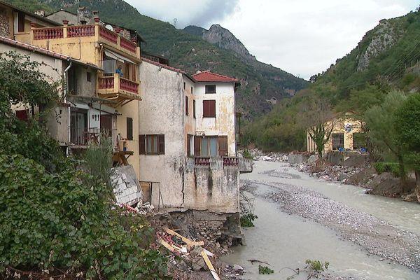 Le village de Fontan, dans la vallée de la Roya, est toujours enclavé, l'accès par la route est impossible, la municipalité se sent abandonnée.