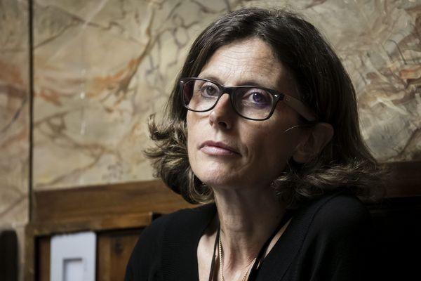 Emmanuelle Ménard - archives