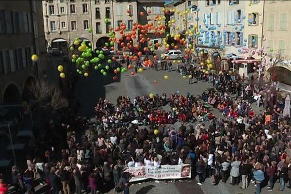 Un lâcher de ballons a été organisé près de quatre ans après la disparition de Lucas Tronche à Bagnols-sur-Cèze.