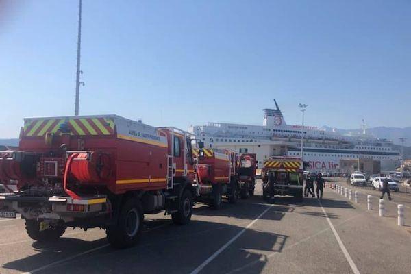 3 groupes d'intervention ont débarqué ce matin à L'Île-Rousse.