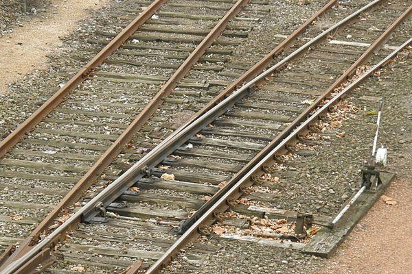 Un aiguillage photographié à la gare de Douai.
