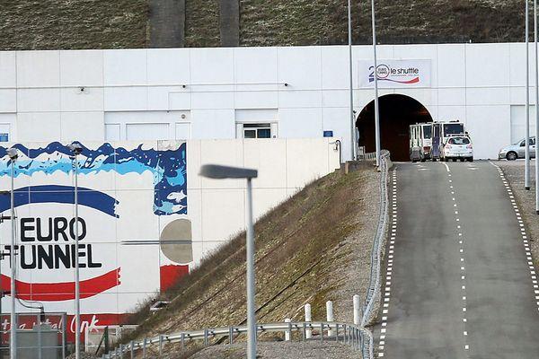 150 migrants ont teneté de s'introduire sur le site d'Eurotunnel dans la nuit de vendredi à samedi.