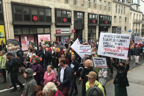 Plusieurs milliers de manifestants ont défilé contre le pass sanitaire à Vannes ce 24 juillet