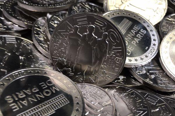 """20 000 médailles """"Merci"""" ont été créées à l'atelier de Pessac."""