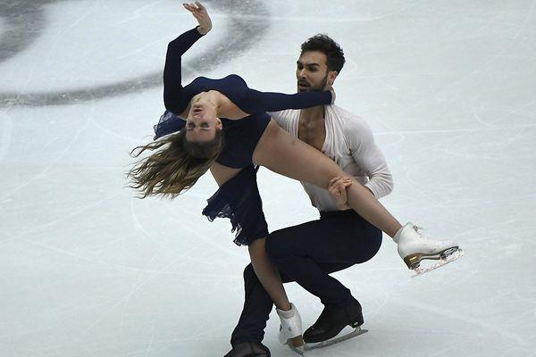 Gabriella Papadakis et Guillaume Cizeron se produisent lors de la Danse Libre de la Danse sur Glace au Grand Prix de Patinage Artistique de la Coupe de Chine ISU à Beijing le 4 novembre 2017.