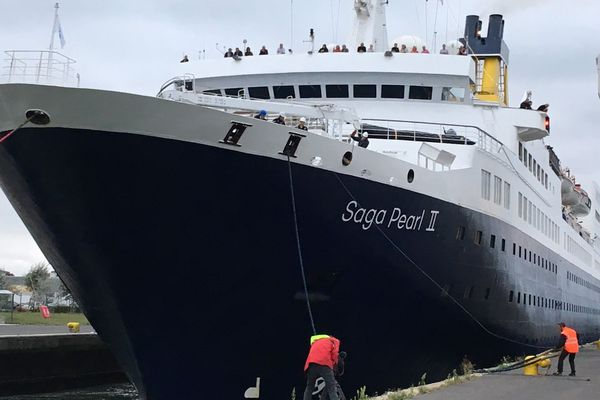 Le Saga Pearl II arrive à Caen