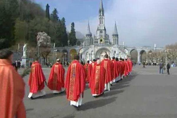 Les fêtes pascales signent l'arrivée des premiers pélerins de la saison.