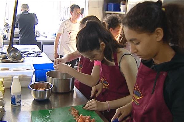 Les enfants ont notamment cuisiné une croustade mimosa.