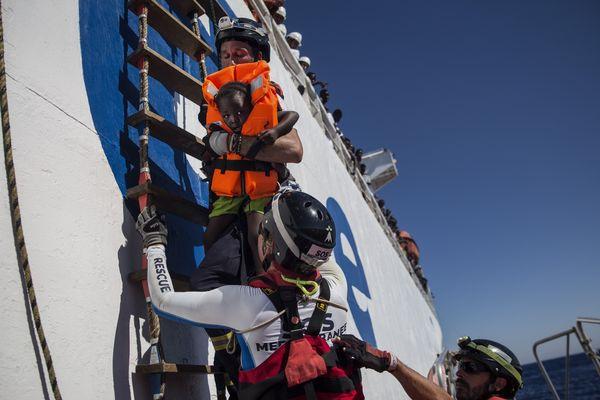 Sauvetage sur l'Aquarius par Médecins sans Frontières, le long des côtes lybiennes, le 1er août 2017