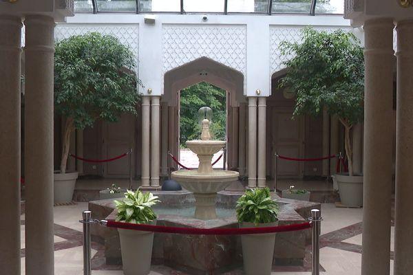 La Grande Mosquée de Lyon se prépare à rouvrir enfin ses portes le 2 juin 2020 après plus de deux mois de confinement lié au coronavirus Covid-19.
