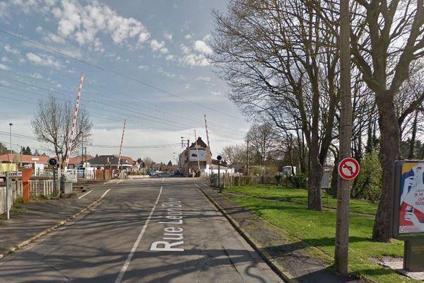 L'accident a eu lieu à un passage à niveau situé juste avant la gare de Loos-en-Gohelle.