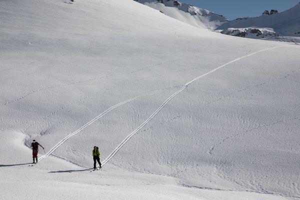 Ski de randonnée, trail, raquettes...les activités de montagne interdites en Savoie. Photo d'illustration.
