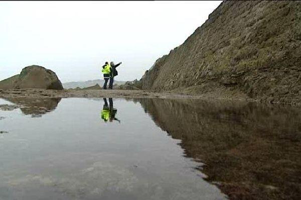 La digue de l'Artha à marée très basse