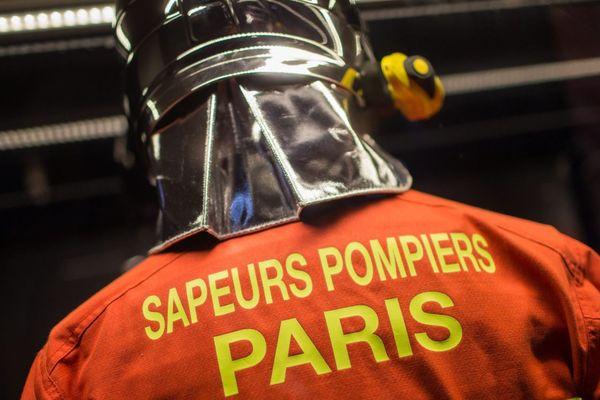 La tenue des pompiers de Paris (illustration).
