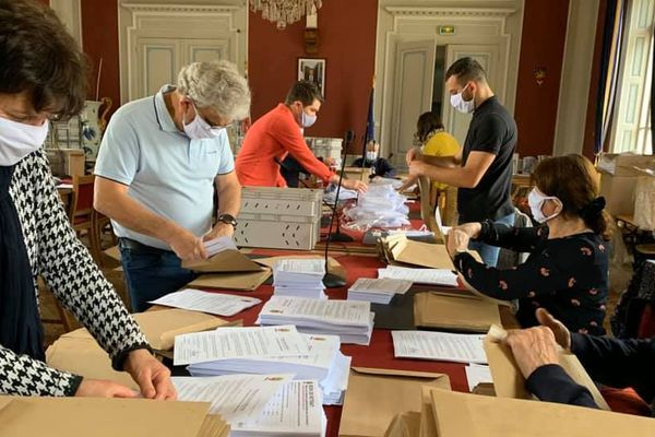 Préparation et envoi des masques pour les habitants de Vesoul