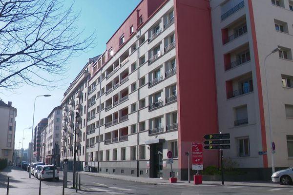 Le premier EHPAD d'Europe existe toujours, situé aujourd'hui dans le 3e arrondieement de Lyon il accueille 72 résidents