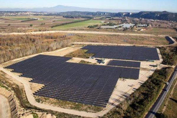 La centrale solaire de Pujaut dans le Gard
