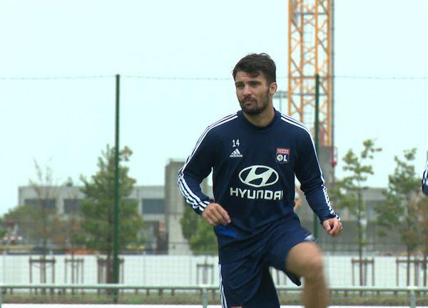 Léo Dubois prolonge avec l'Olympique Lyonnais jusqu'en 2024