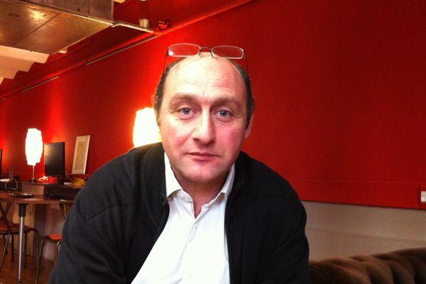 Fabrice Kehayan candidat à la reprise de La Marseillaise.