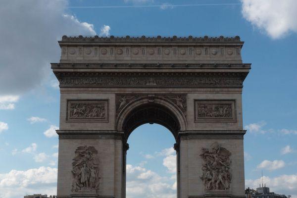 Le quartier des Champs-Élysées, vidé